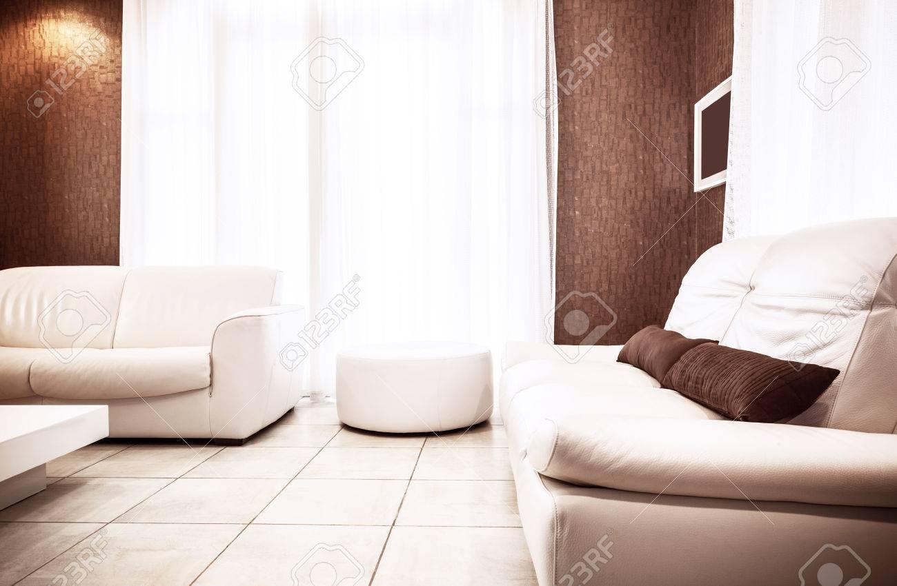 luxus wohnung in der innen wei und braun farben lizenzfreie bilder 26495397 - Wohnung Braun Wei