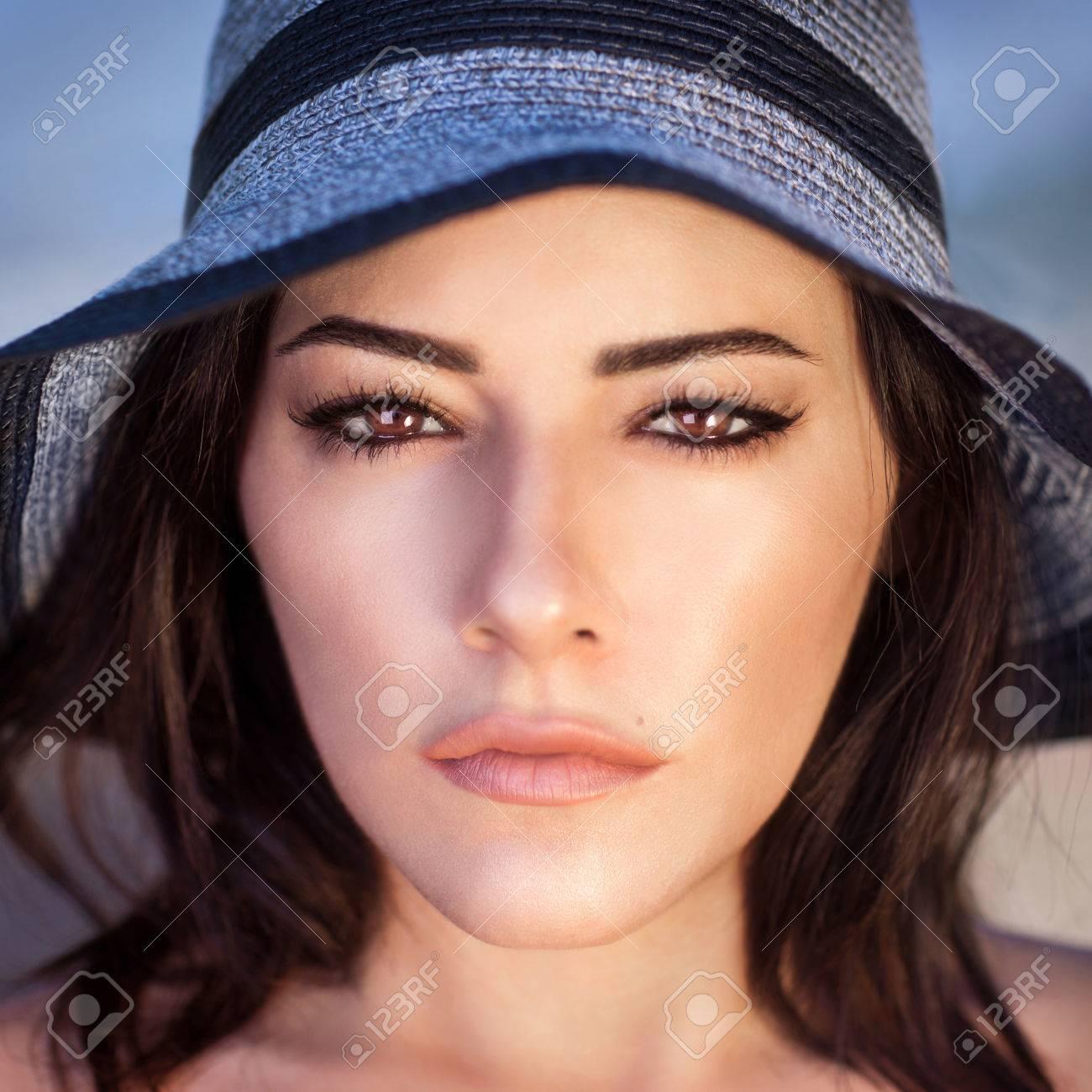 Nahaufnahmeportrait Des Herrlichen Schone Arabische Frau Mit