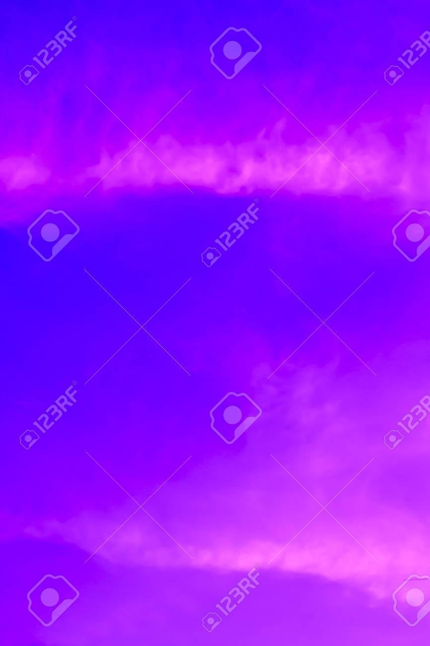 Sundown on sea with bright colour and glow sun Stock Photo - 15138478