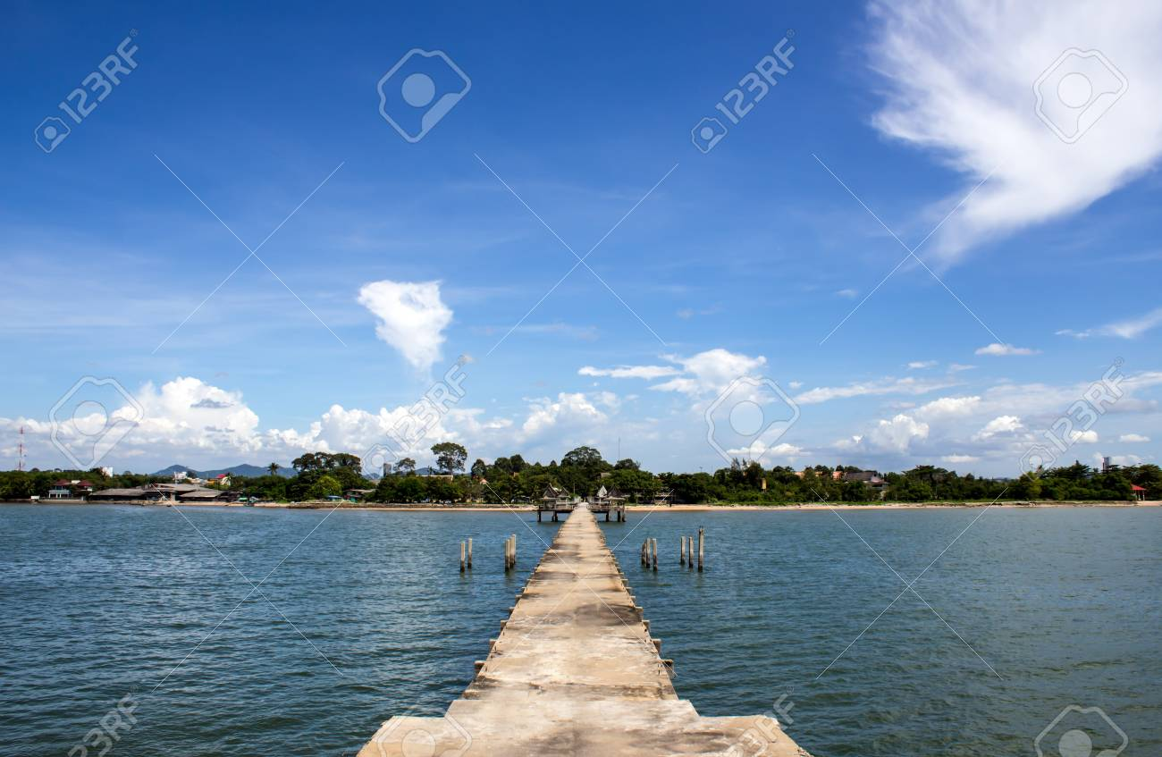 sea and perfect sky for the water Stock Photo - 15725245