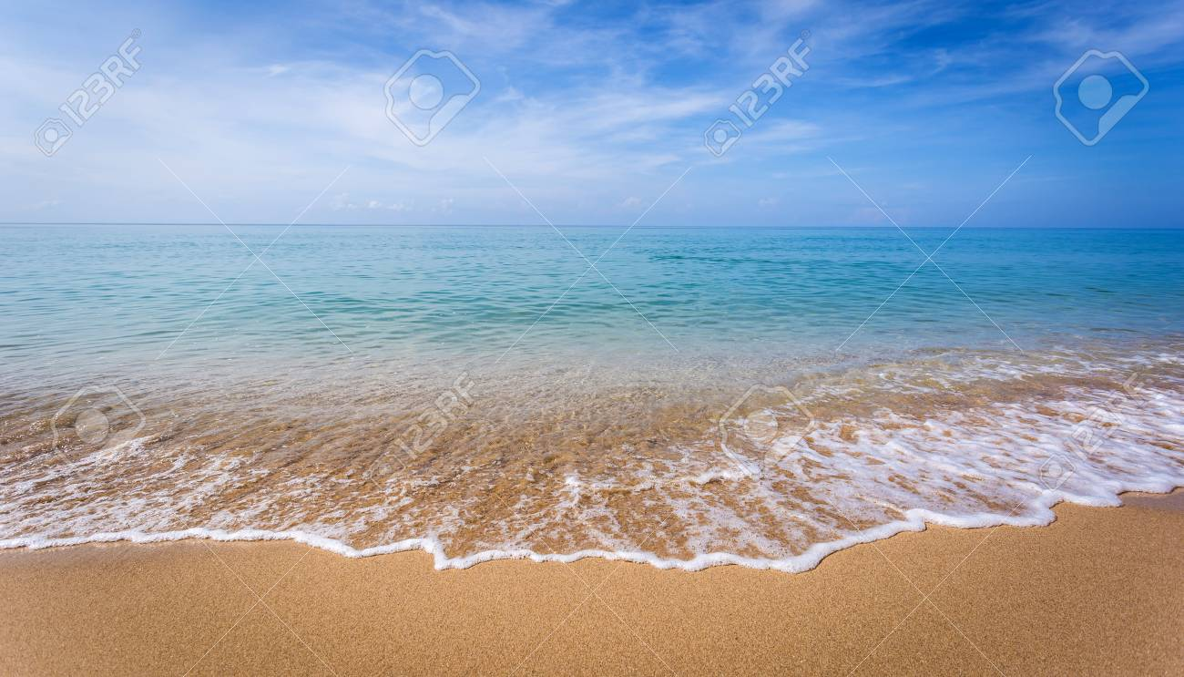 Beautiful ocean landscape at sunset time. - 125712572