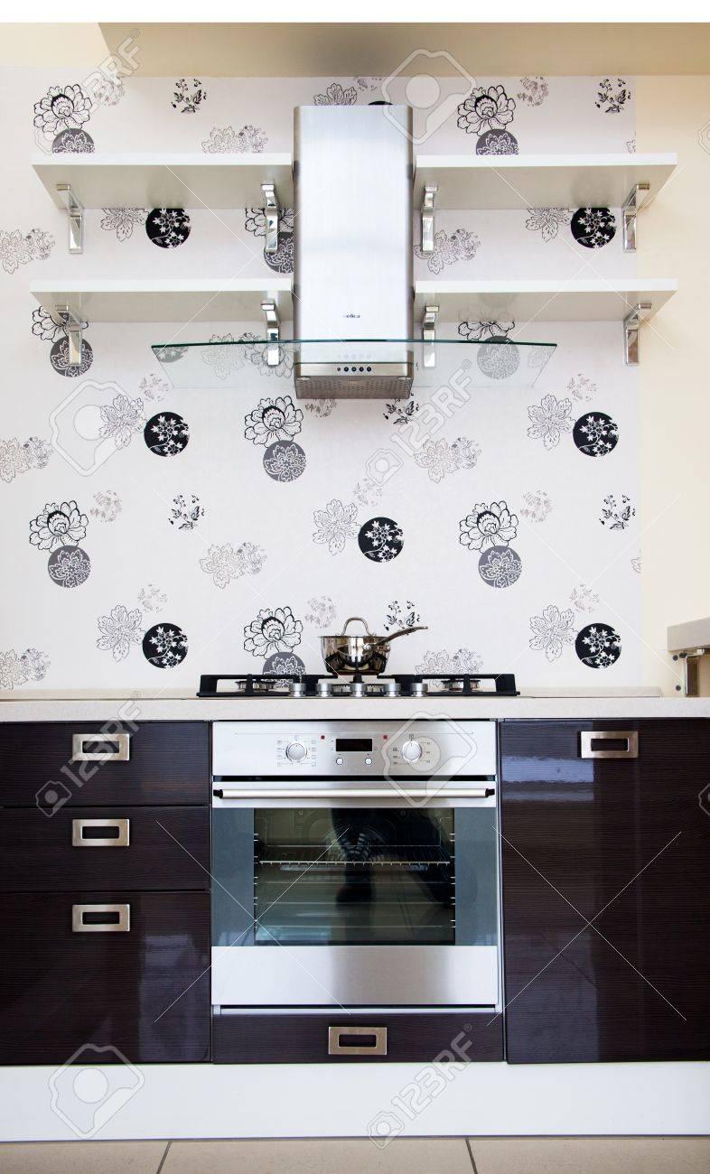 Cucina - Angolo Cottura Con Fornello A Gas E Muro Di Piastrelle Foto ...