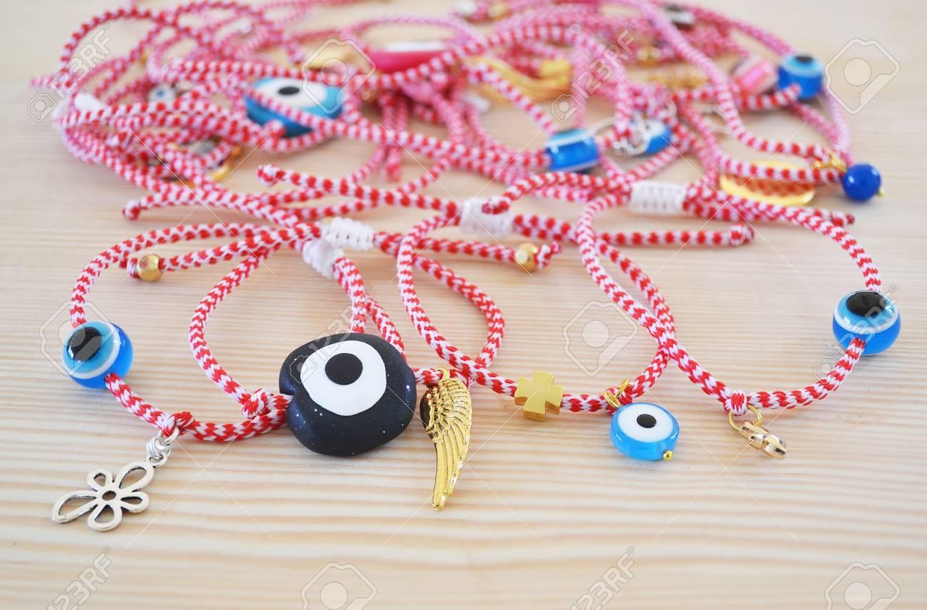 marque célèbre vêtements de sport de performance remise spéciale de Bracelets mars grecs traditionnels appelés '' martakia '' symbole de  protection - bijoux advertisement