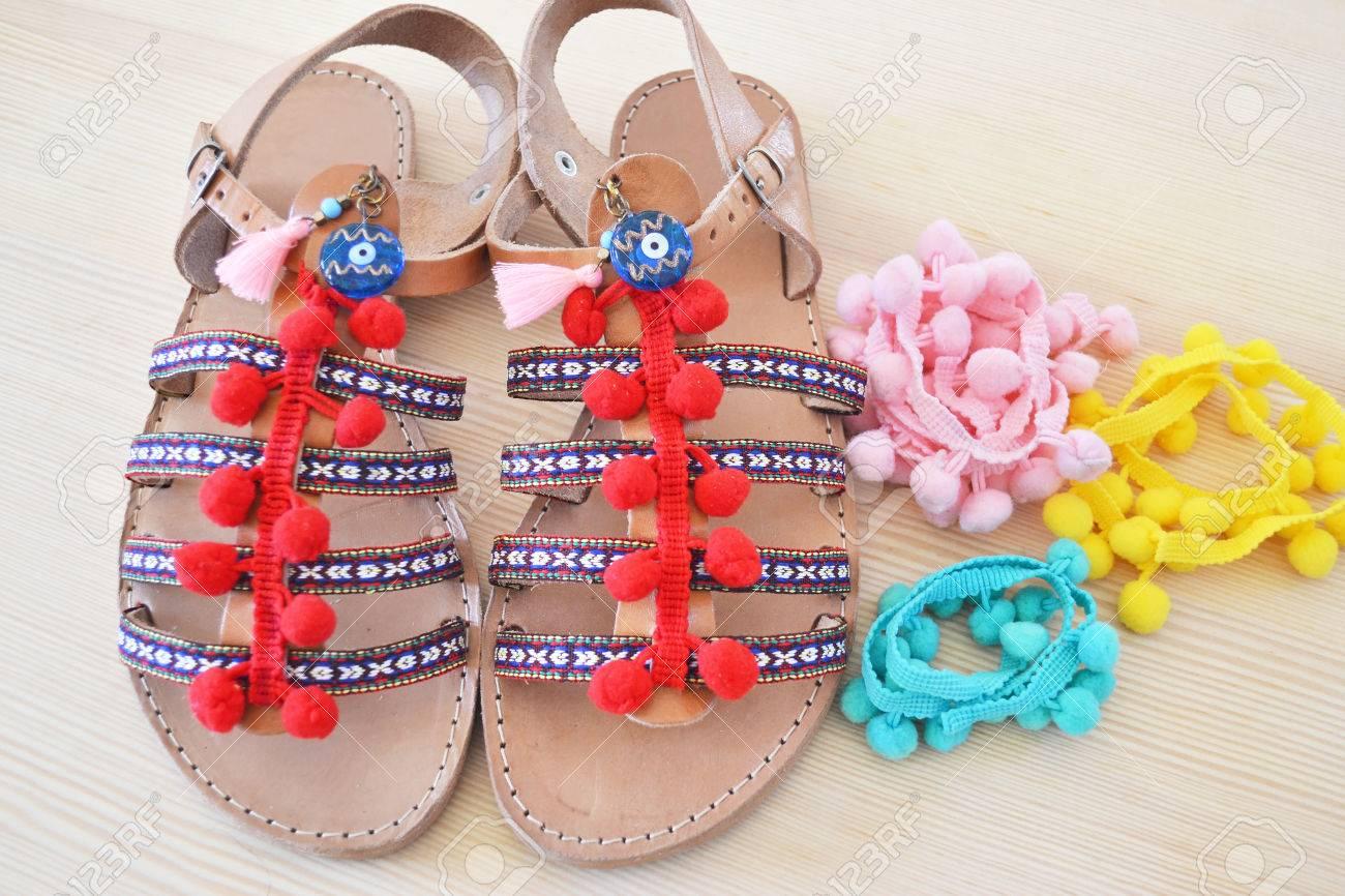 Cuir De Avec Accessoires D'été En Grec Publicité Sandales Pompon Coloré H2WYED9I