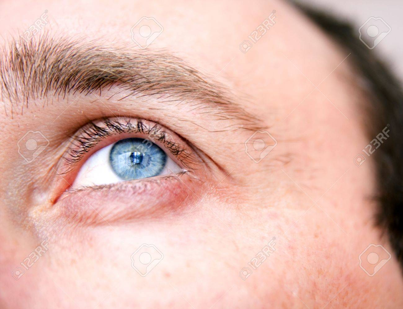 natural looking blue eye Stock Photo - 6448616