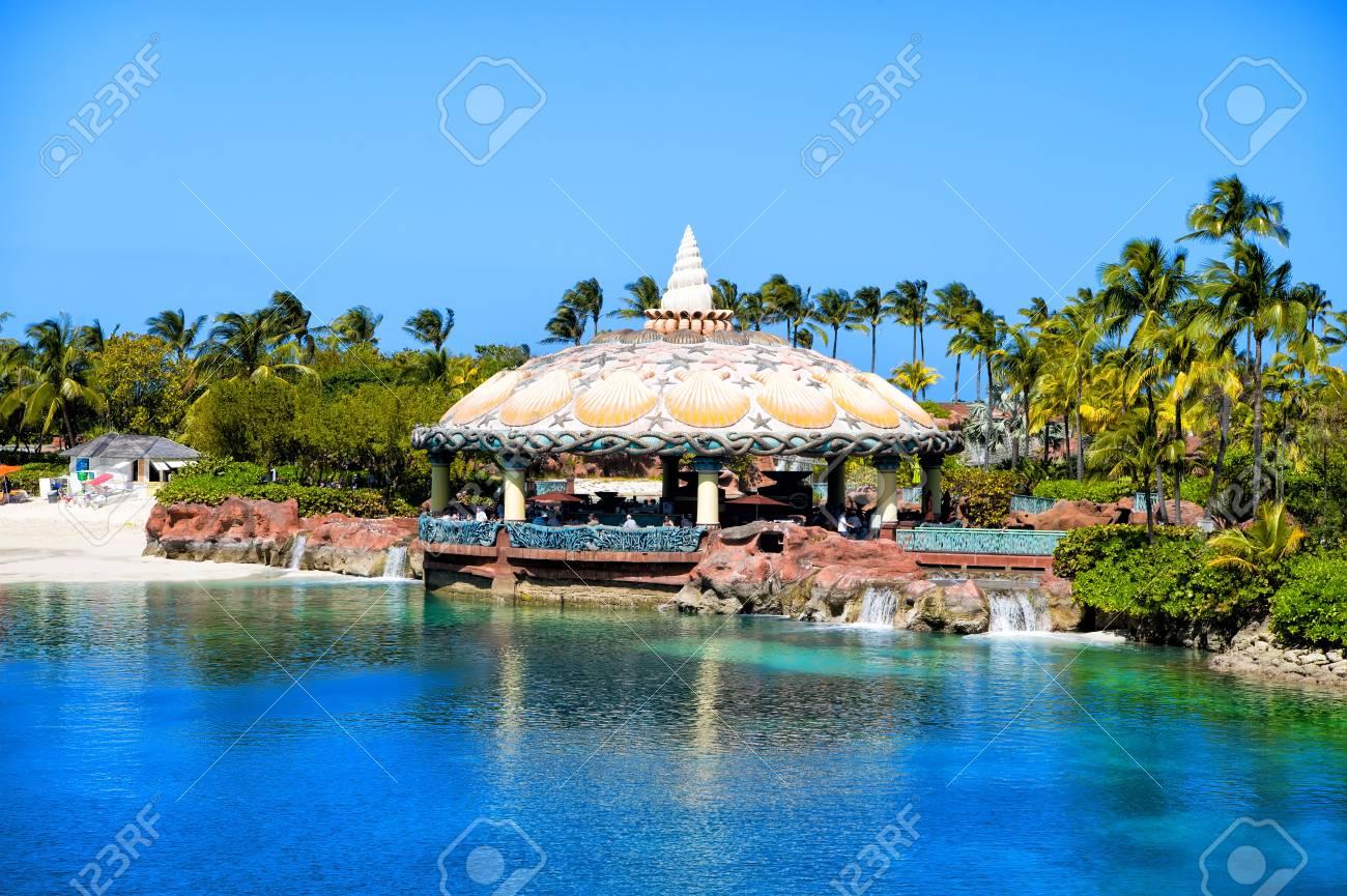Bar De La Laguna Terraza Al Aire Libre Bajo Techo De Cúpula Acuática En Nassau Bahamas Arquitectura Estructura Diseño Vacaciones De Verano