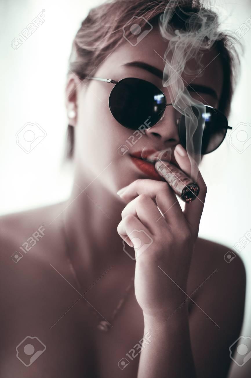Cool Girl Beauty Smoking Cigar With Sunglasses Sexy Skin Smoke