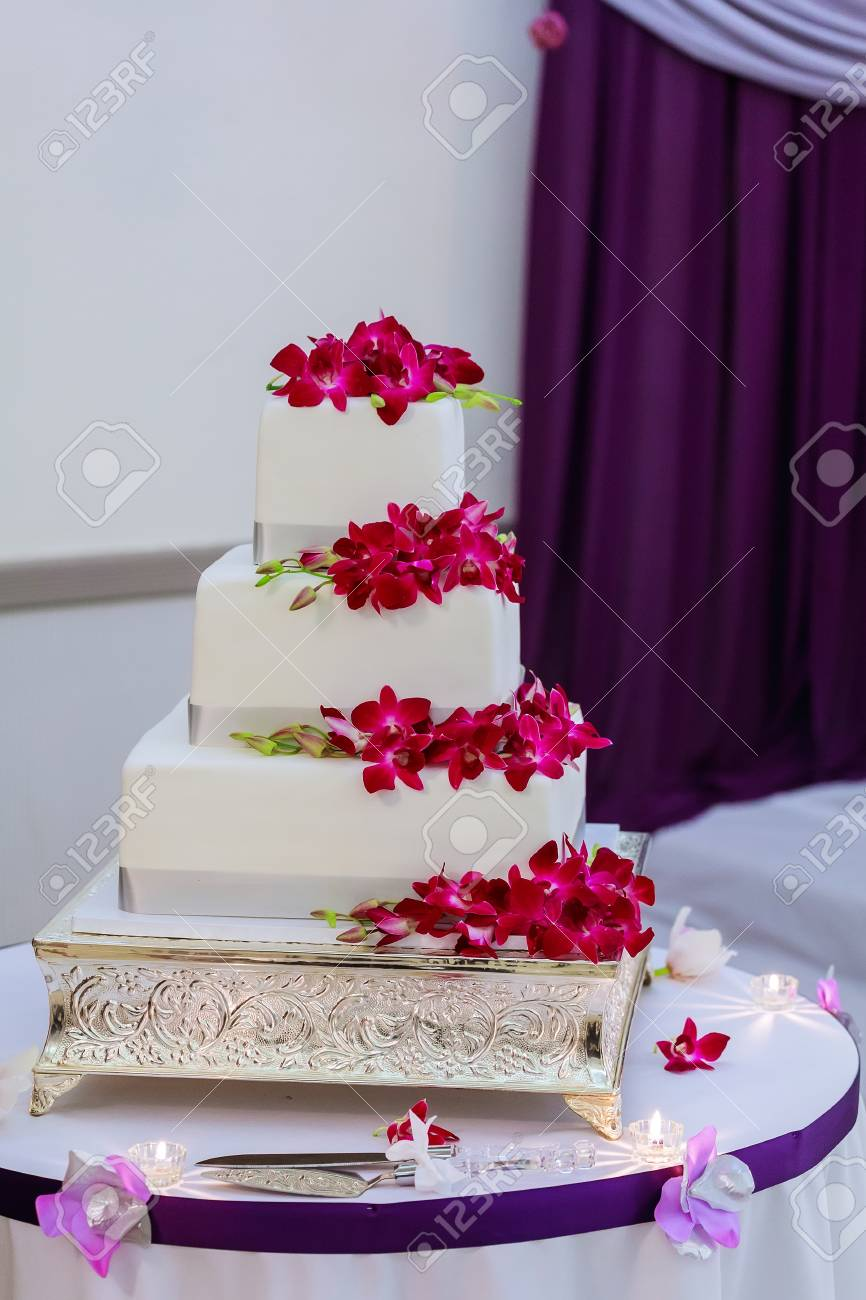 Wedding Cake Flowers.Beautiful White Wedding Cake Flowers Desserts Church Sweets