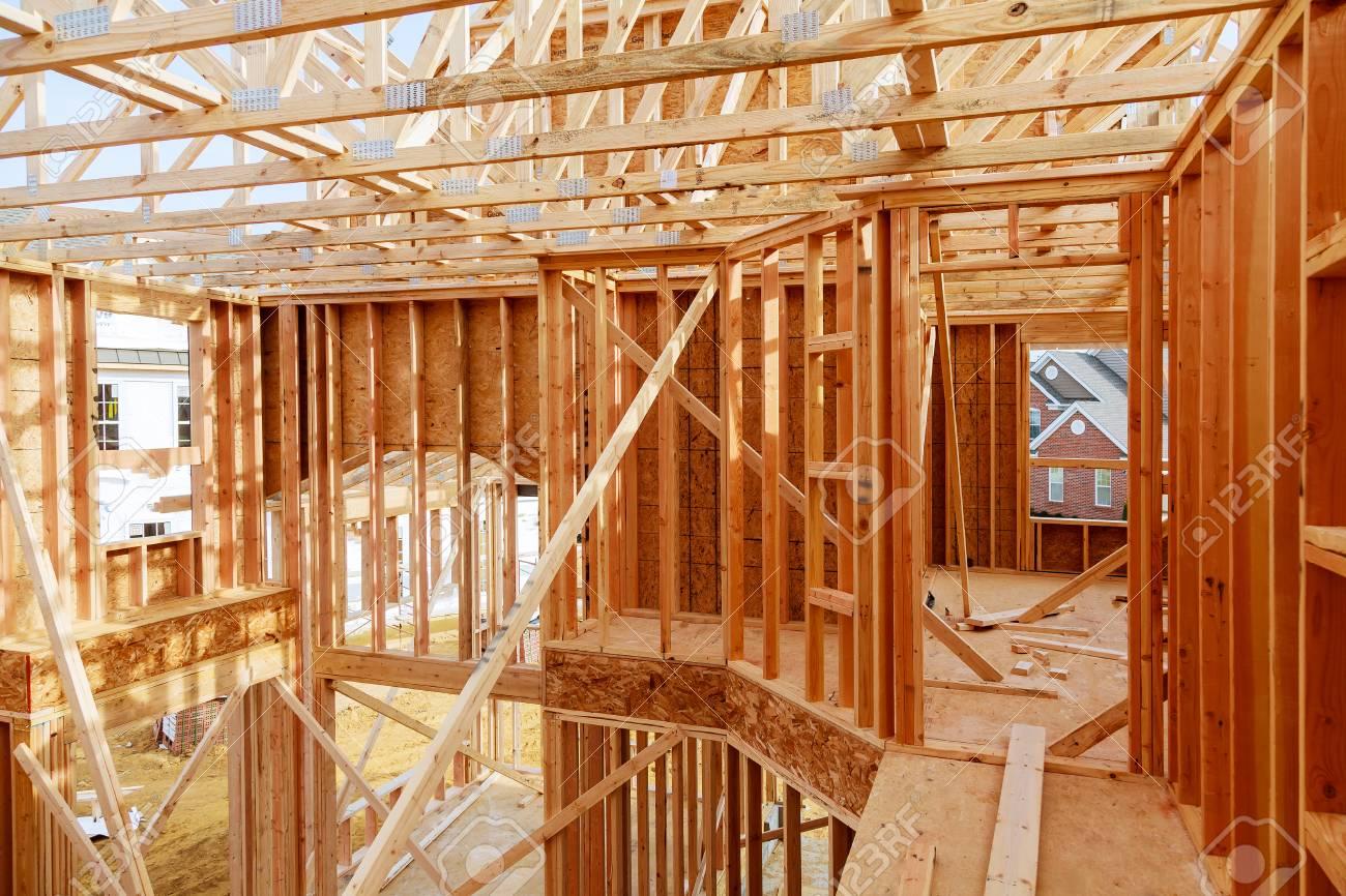 Nueva Construcción De Viviendas Con Construcción De Marco De Casa De ...