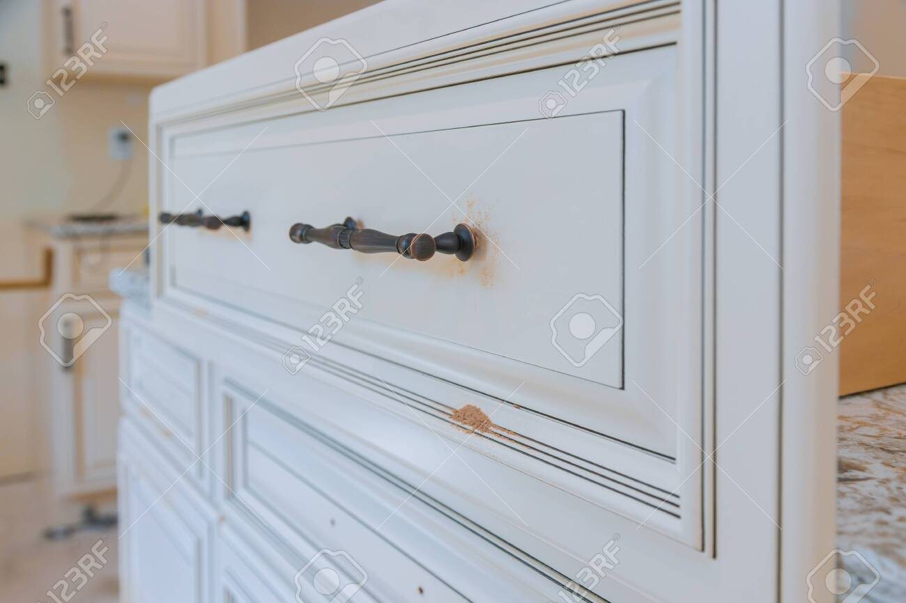 Handle Installation Drawers In Custom Kitchen Cabinets