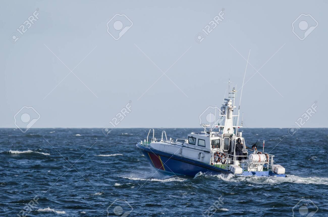 FAST MOTOR BOAT - Border Guard boat patrol - 119651057