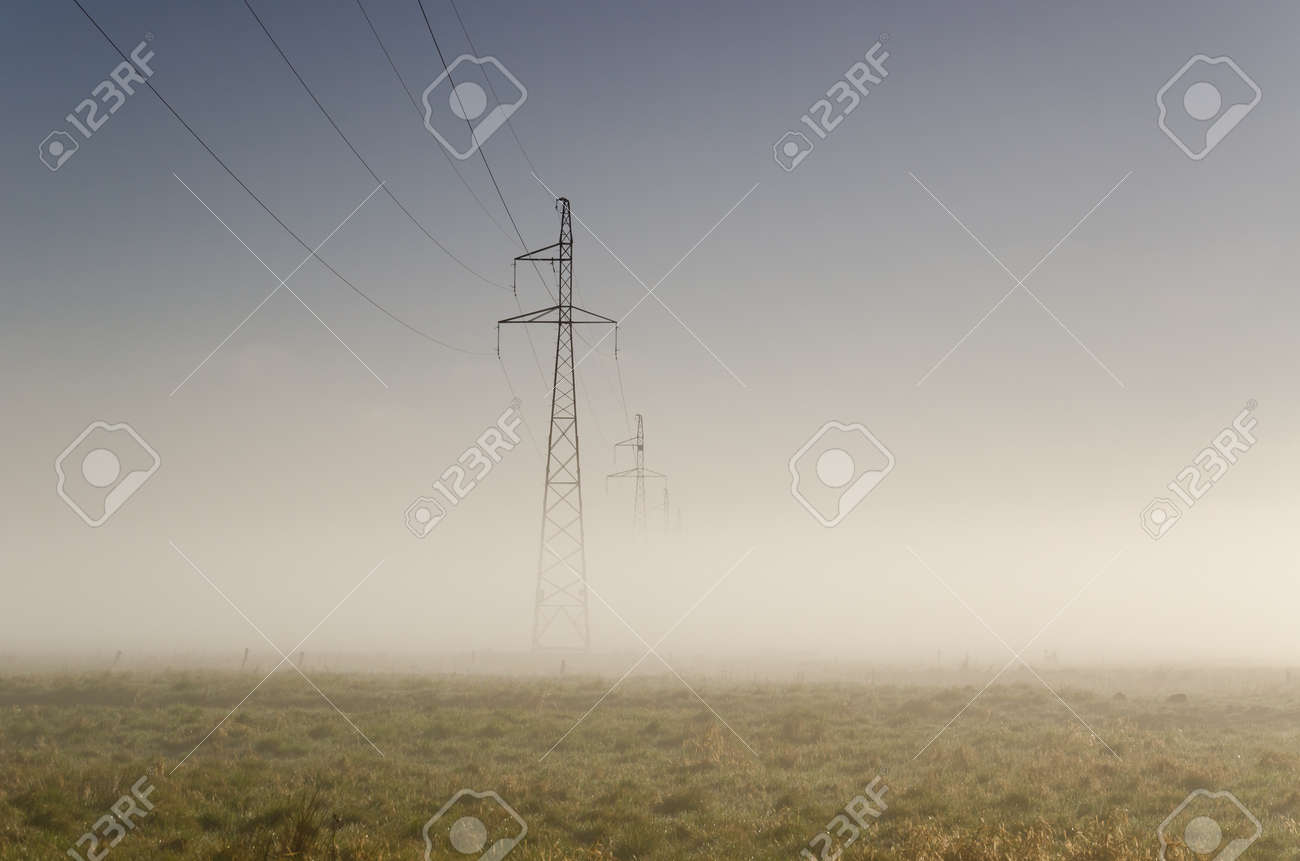 POWER ENGINEERING - High-voltage line fastened on a great tower truss - 168477653