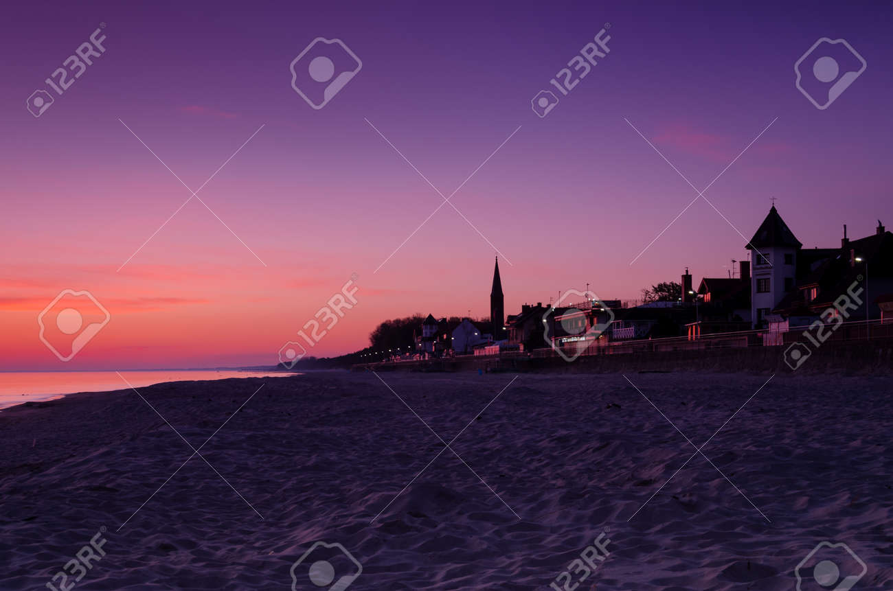 DAWN AT THE SEASIDE - Sunrise, beach and resorts in the countryside - 169541109