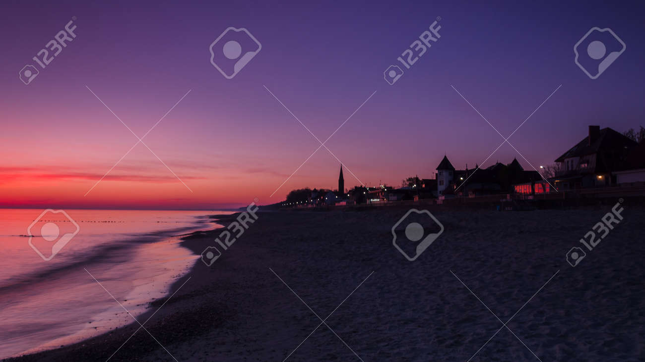 DAWN AT THE SEASIDE - Sunrise, beach and resorts in the countryside - 169541110