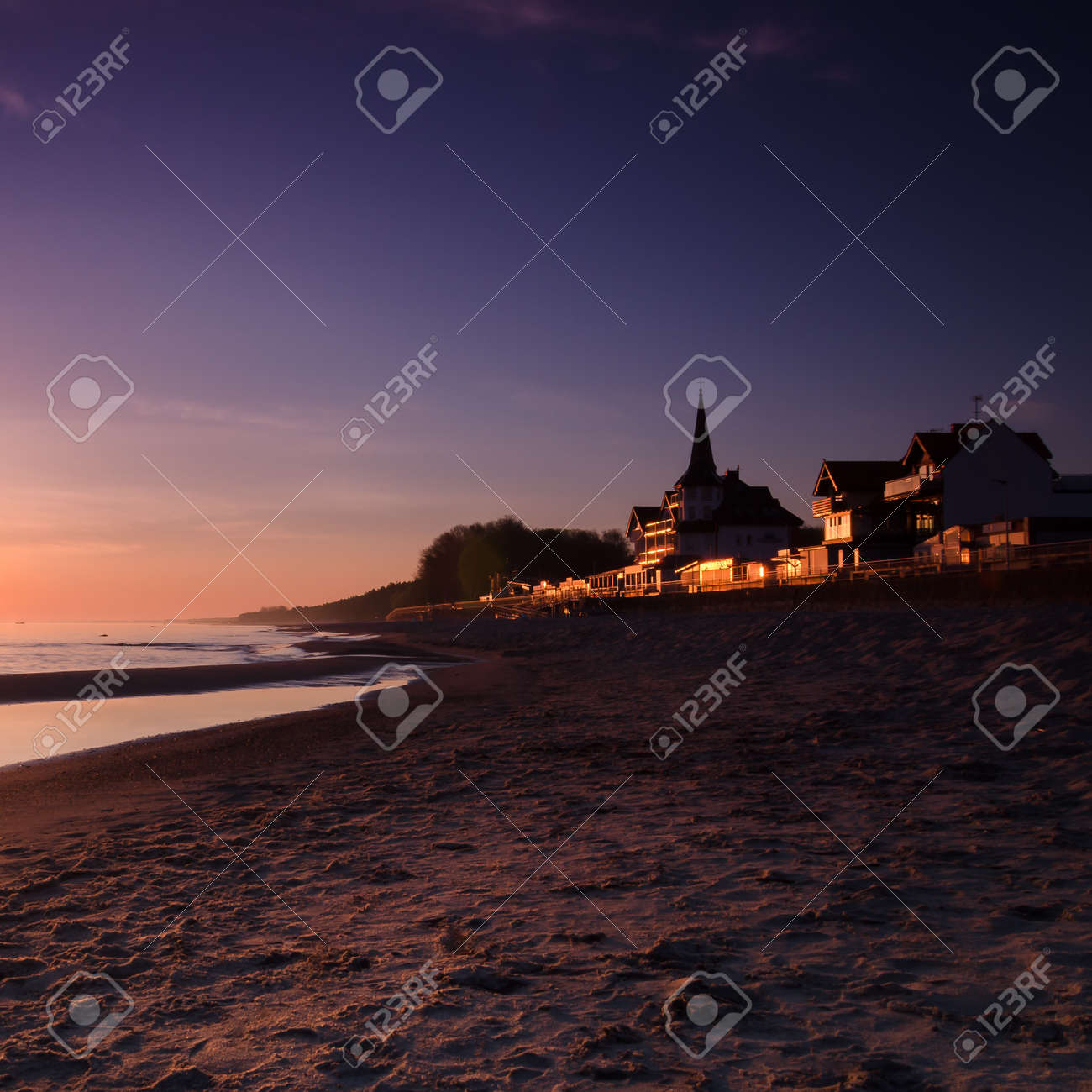 DAWN AT THE SEASIDE - Sunrise, beach and resorts in the countryside - 169541168