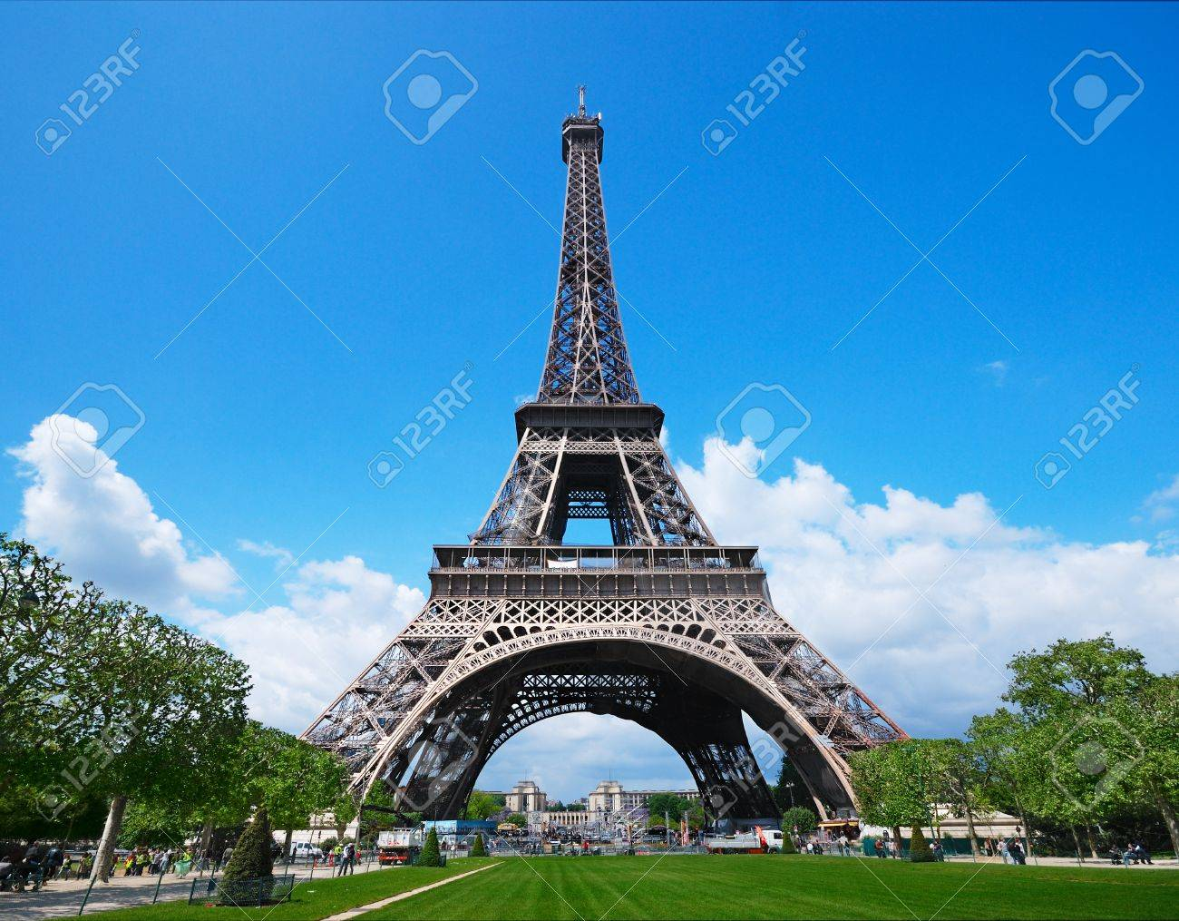 The Eiffel Tower against a blue sky Stock Photo - 9318916