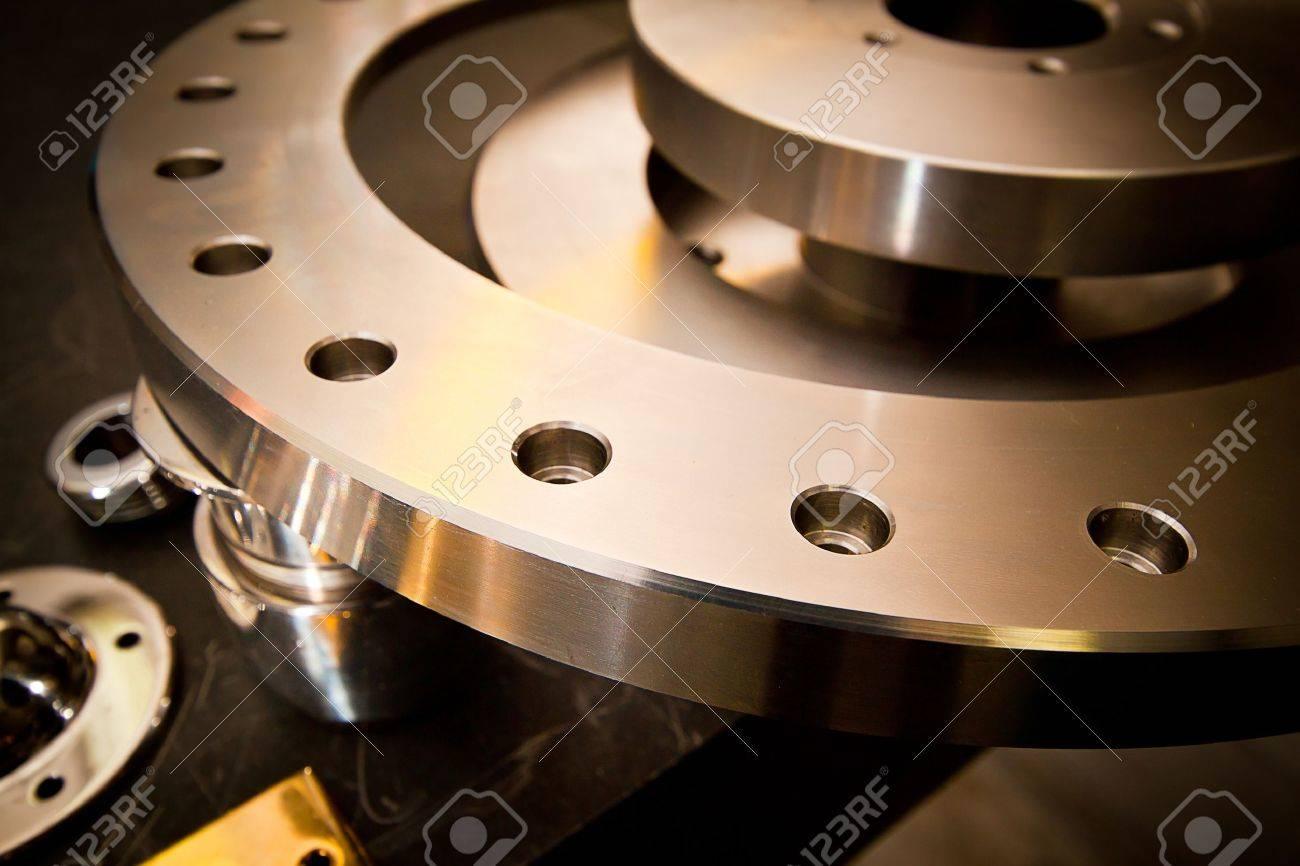 Custom-milled machine part made with CNC machine - 13783111