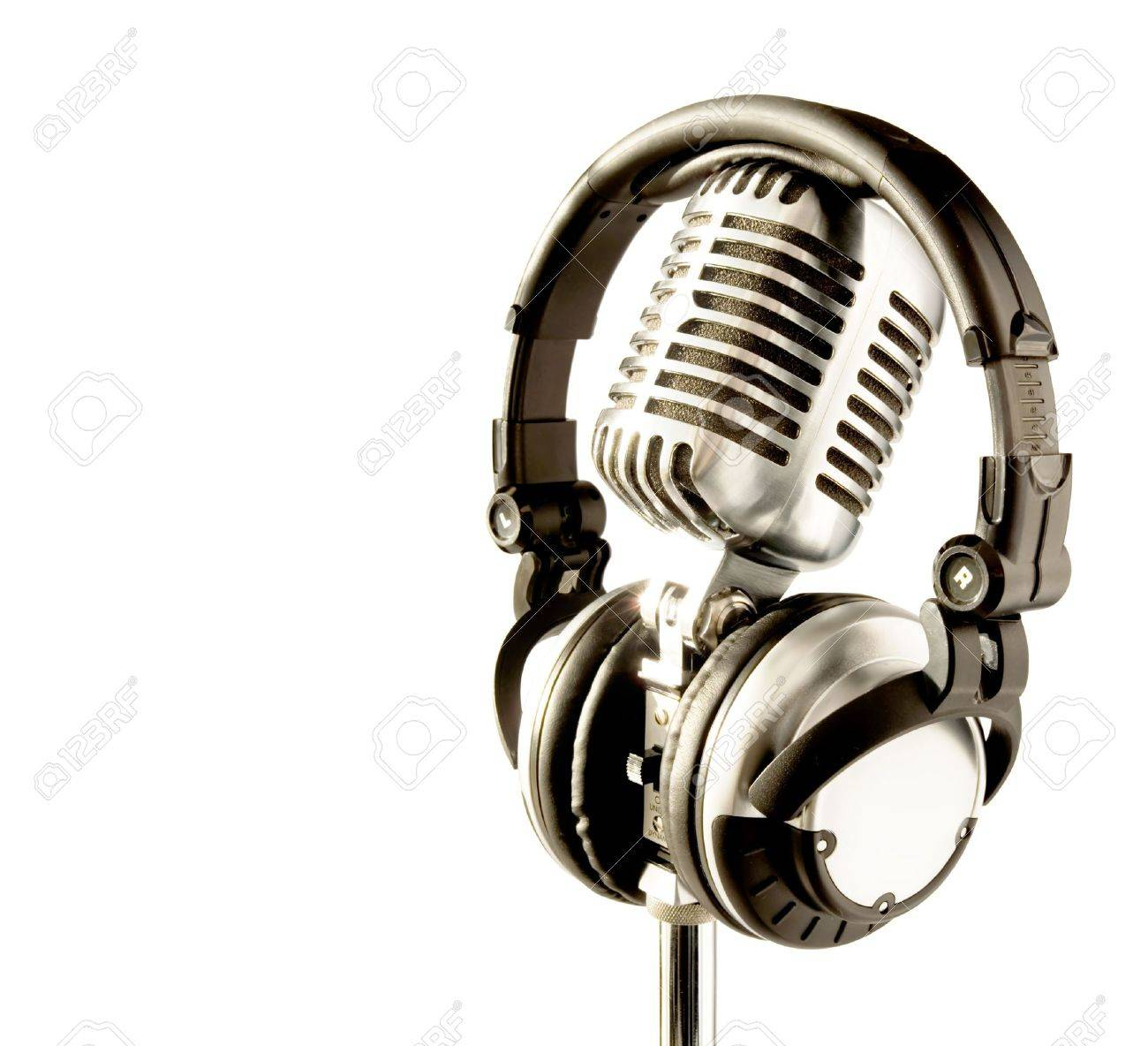 Professional 'Retro' Microphone & DJ Headphones (with clipping path for easy background removing if needed) Stock Photo - 585694