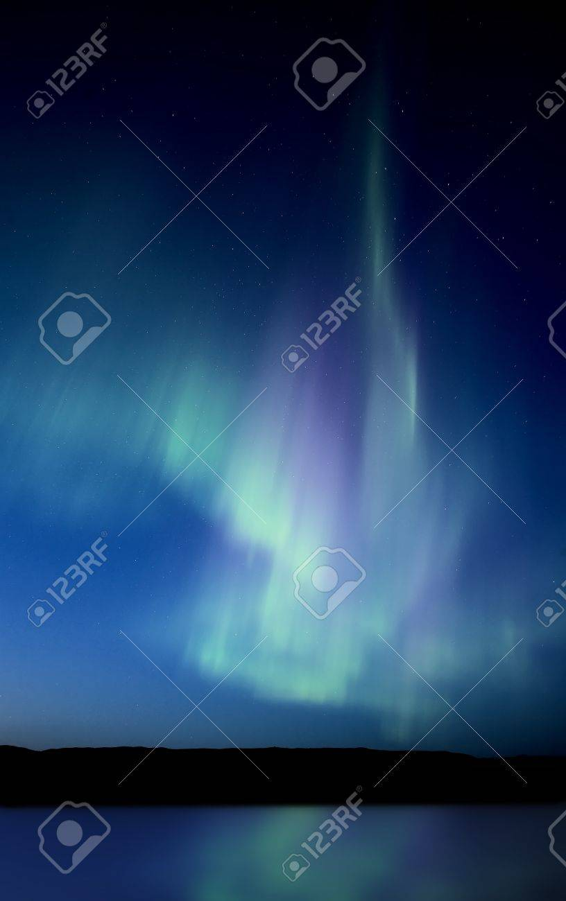 Northern Lights Saskatchewan Canada Aurora Borealis Lake Reflection Stock Photo - 10702384