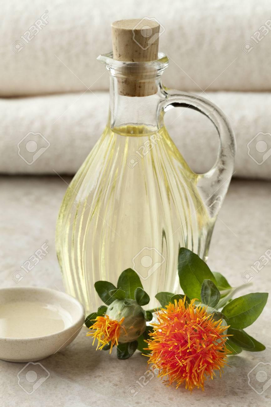 サフラワー油の化粧品の瓶 ロイ...