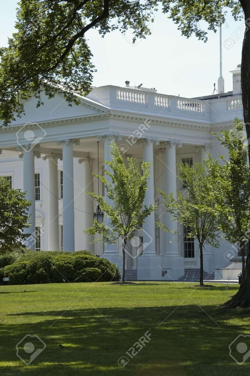 Close view of the  White House, Washington, DC Stock Photo - 2561392