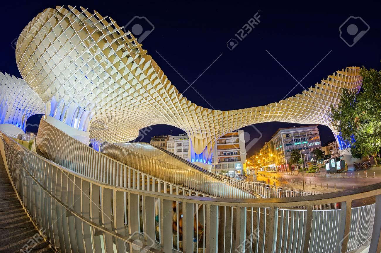 Metropol Parasol in Sevilla Standard-Bild - 83233701