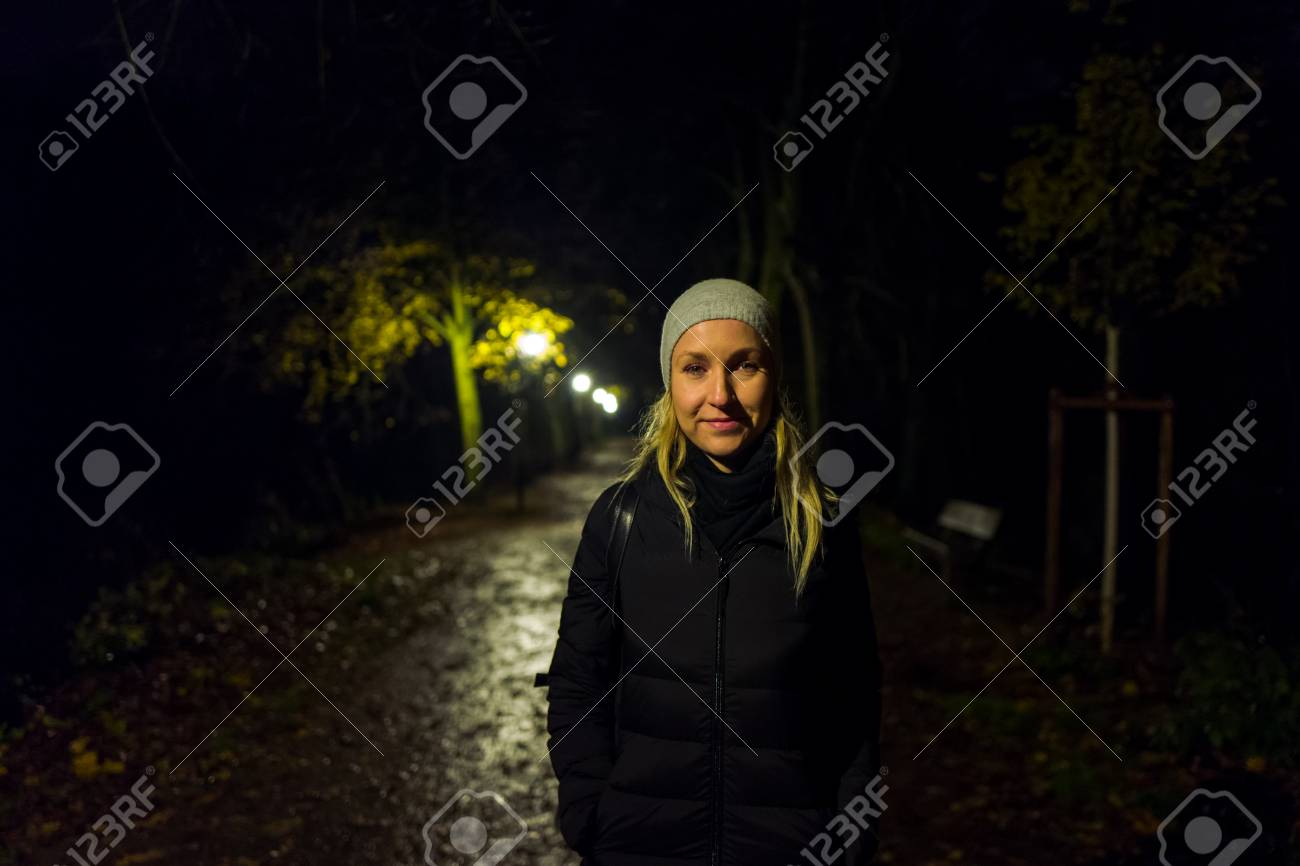 Blonde girl with cap in Kranichstein, Germany Standard-Bild - 90109383