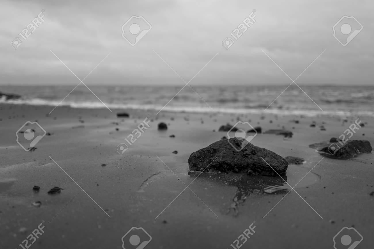 rocks at the German coastline in Wilhelmshaven. Standard-Bild - 92436430