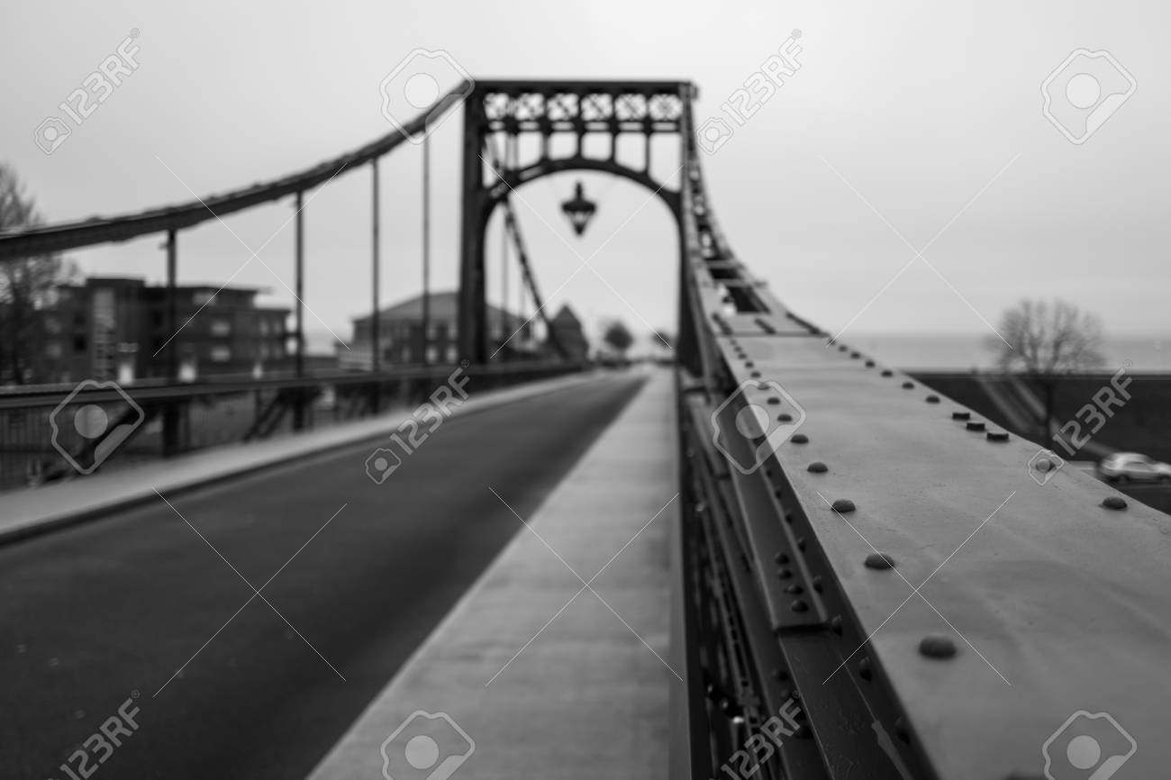 The Kaiser Wilhelm Bridge in Wilhelmshaven. Standard-Bild - 92430543