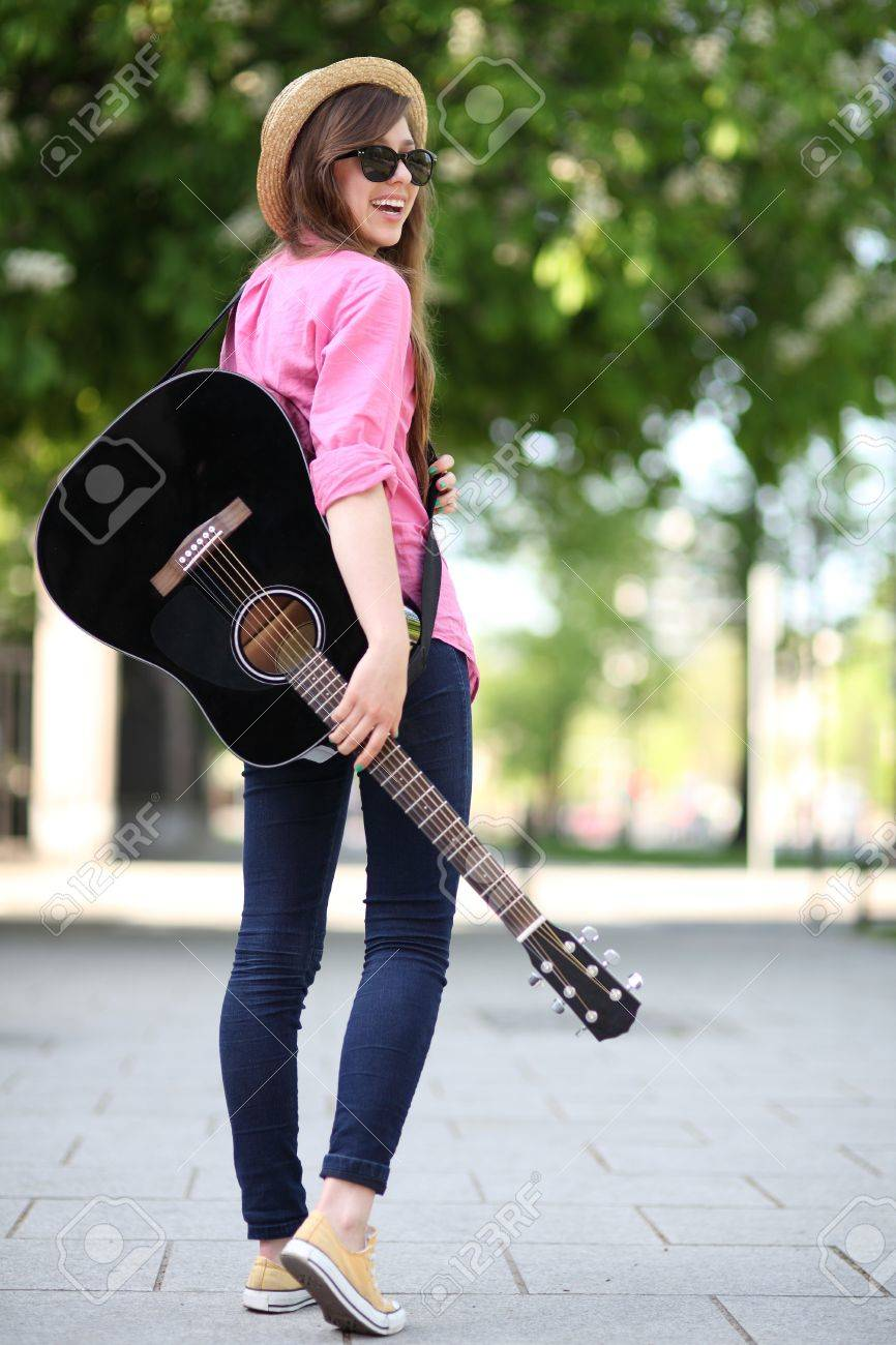 Guitar player Stock Photo - 13772592