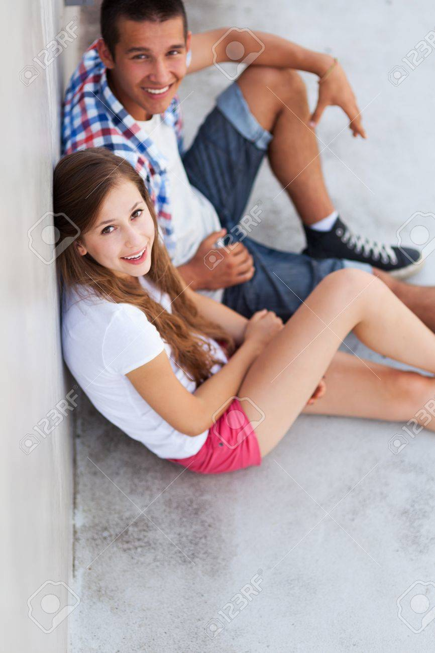 Teenage couple sitting Stock Photo - 15099406