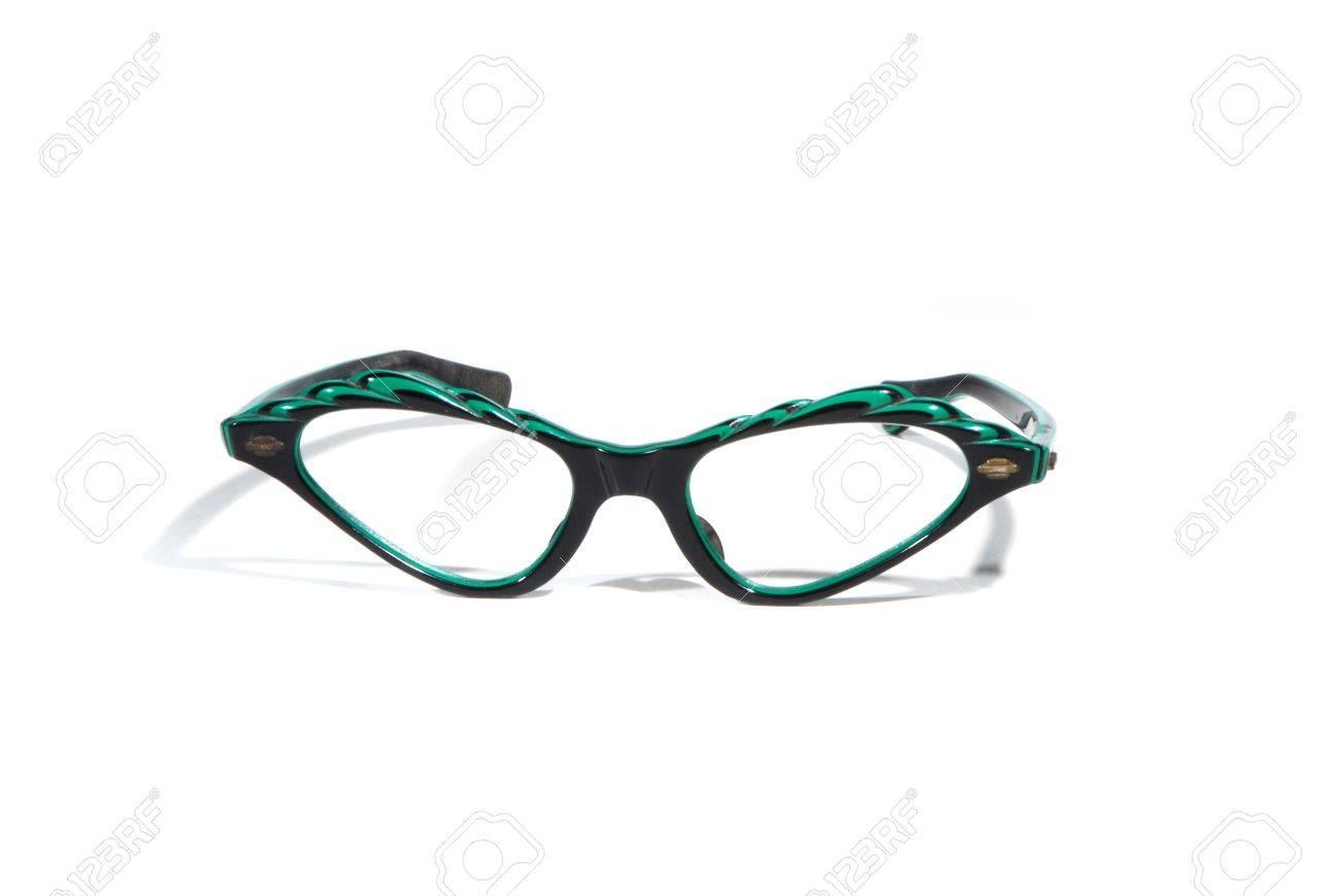 91e62f4debf1a4 Fifties upswept retro bril op wit wordt geïsoleerd Stockfoto - 2816732