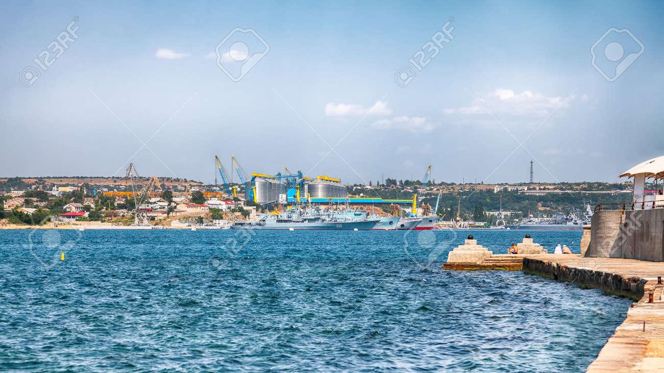 Navy warships at the Bay of Sevastopol. Crimea - 170378855