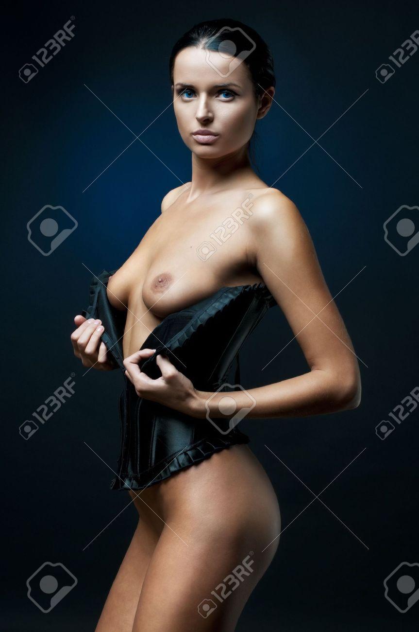 Brust nackt frauen schöne Nackte schwarze