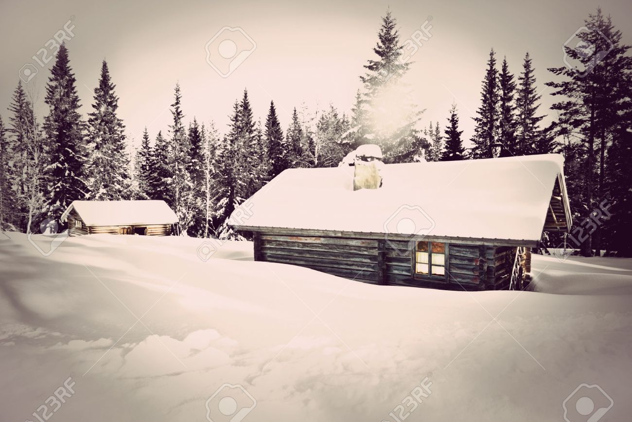 Remote log cabin in winter with vintage look Stock Photo - 11971586