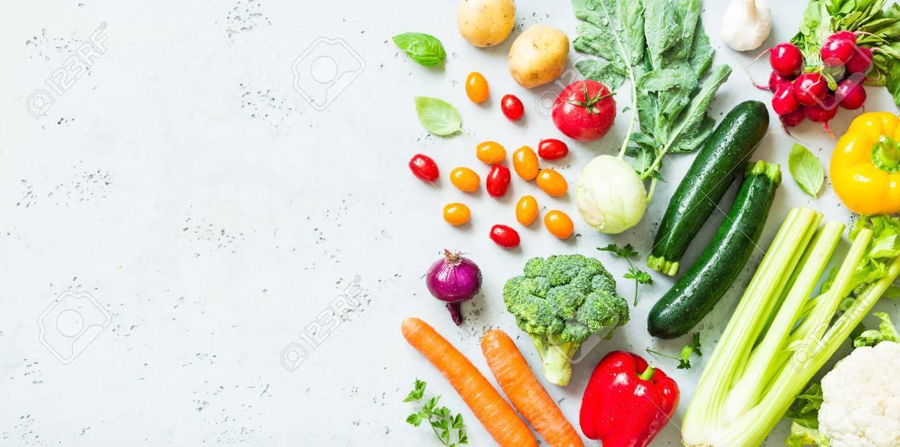 Cuisine Legumes Frais Colores Colores Captures D En Haut Vue De Dessus Pose Plate Plan De Travail En Pierre Grise En Arriere Plan Mise En Page