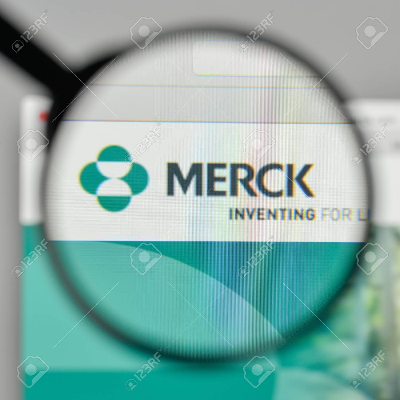 Milan Italy November 1 2017 Merck Co Inc Logo On The Website