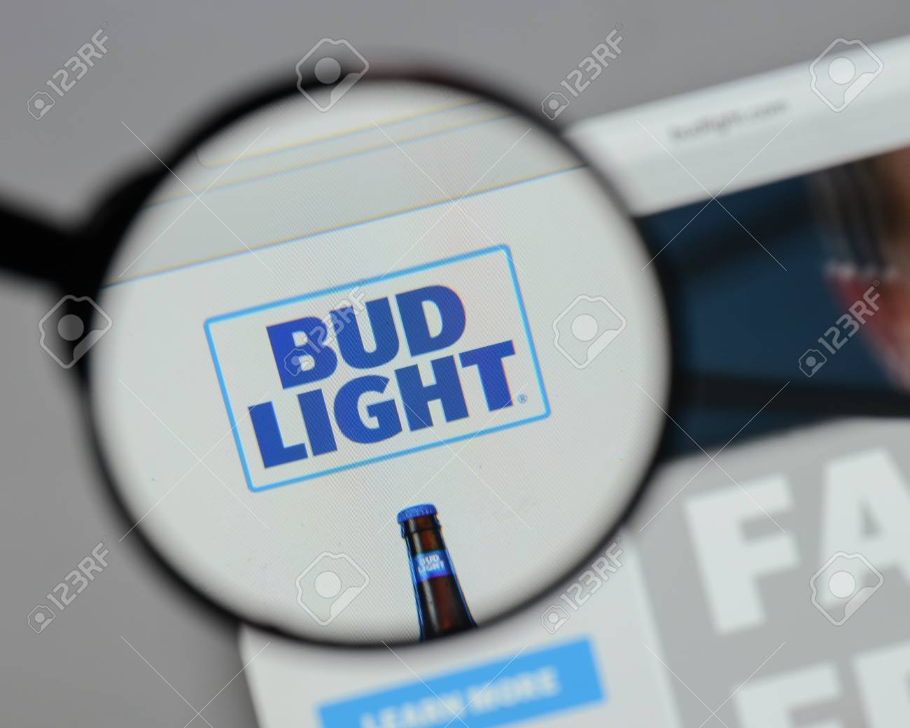 Milan Italy August 10 2017 Bud Light Logo On The Website