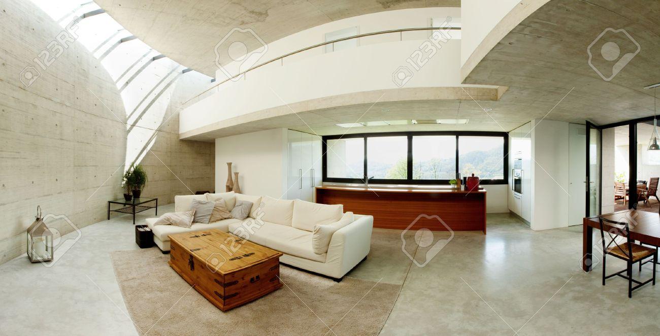 Interno della casa moderna in cemento, soggiorno foto royalty free ...