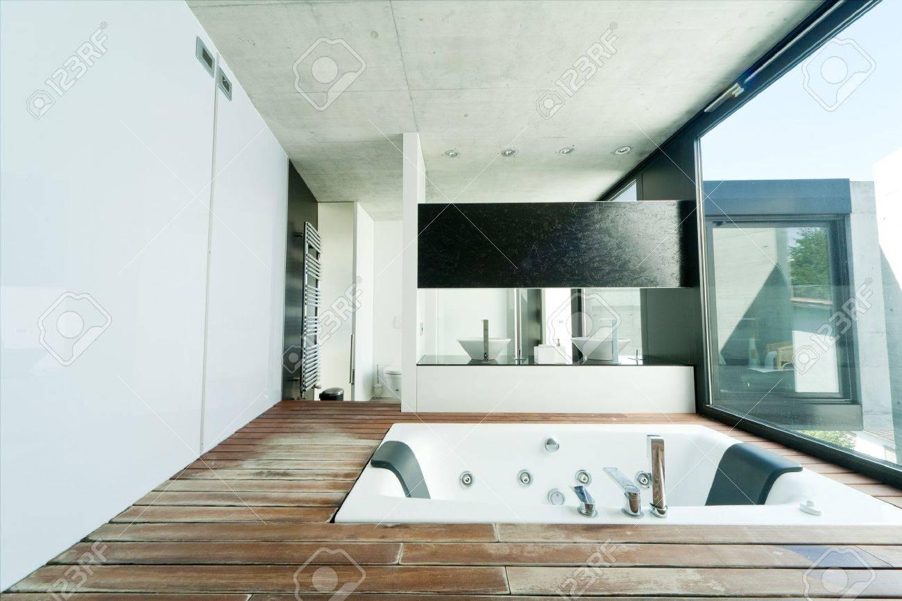 interior bathroom Stock Photo - 13889109
