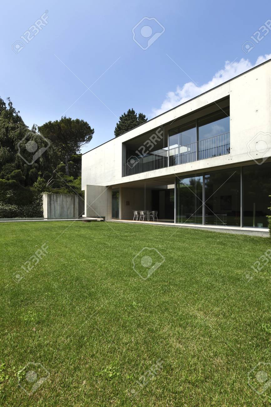 exterior, modern house Stock Photo - 21018373