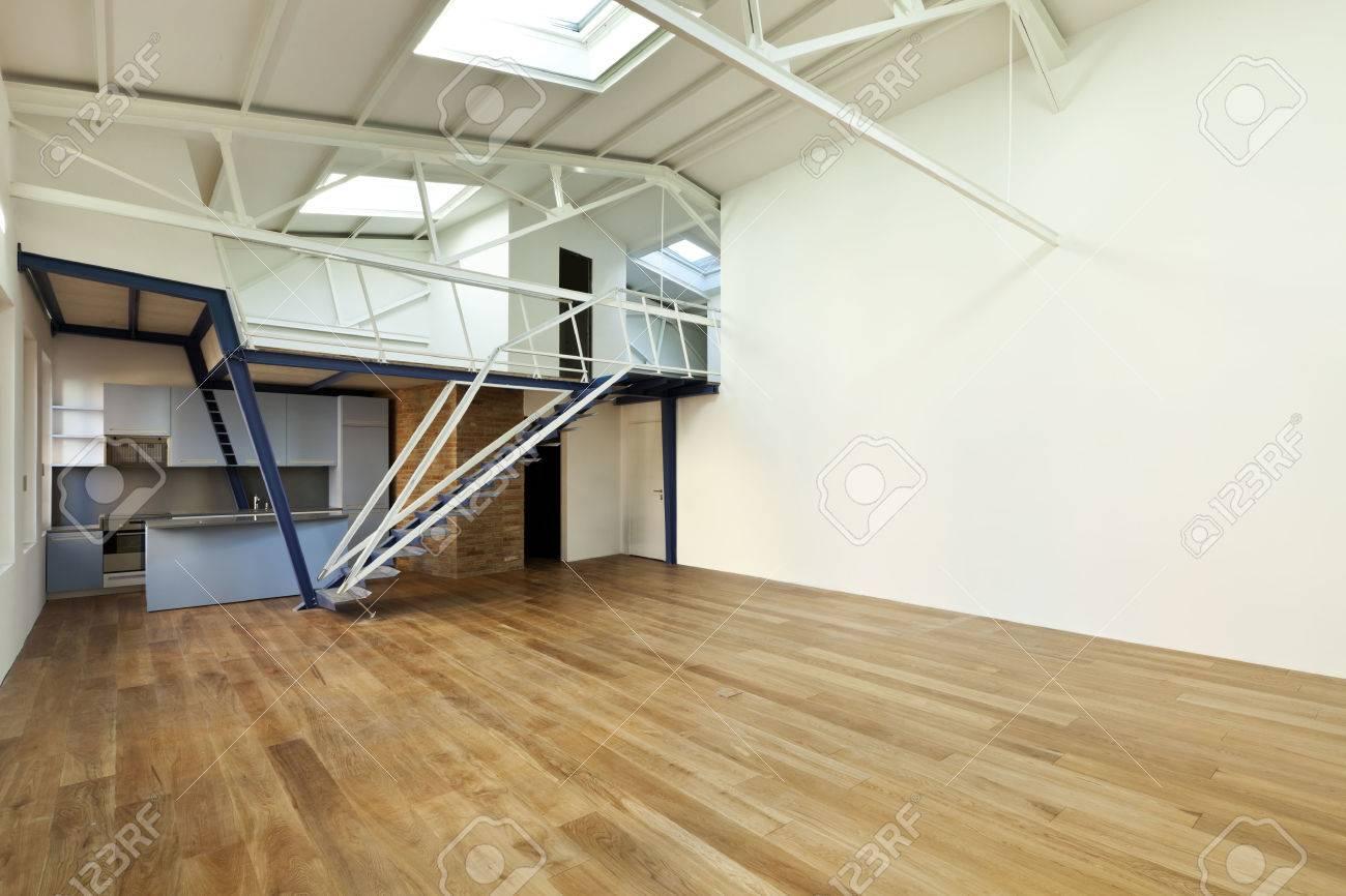 Design moderne, appartement avec mezzanine banque d'images et ...