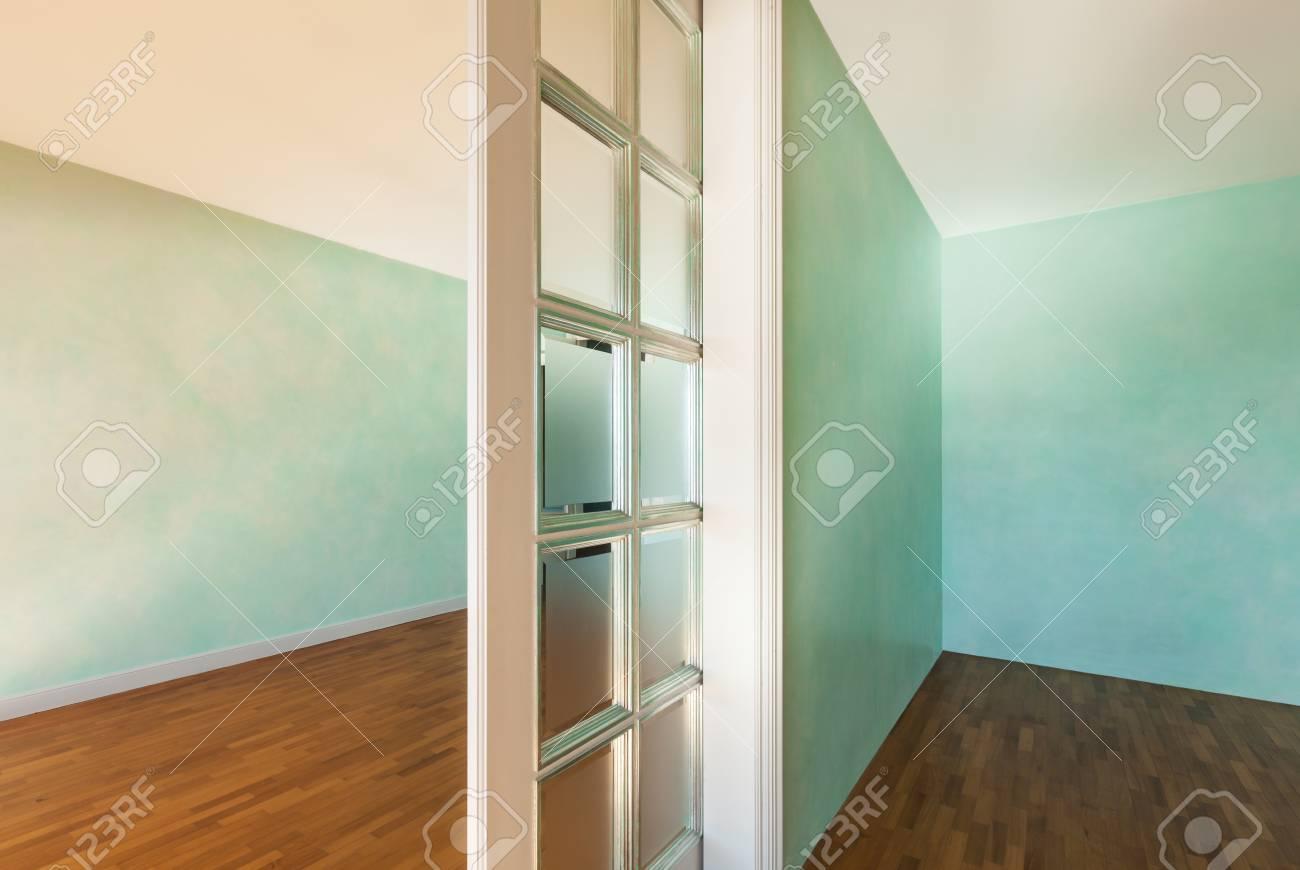 Interieur Leere Wohnung In Der Art Klassisch Zimmer Mit Schiebetur