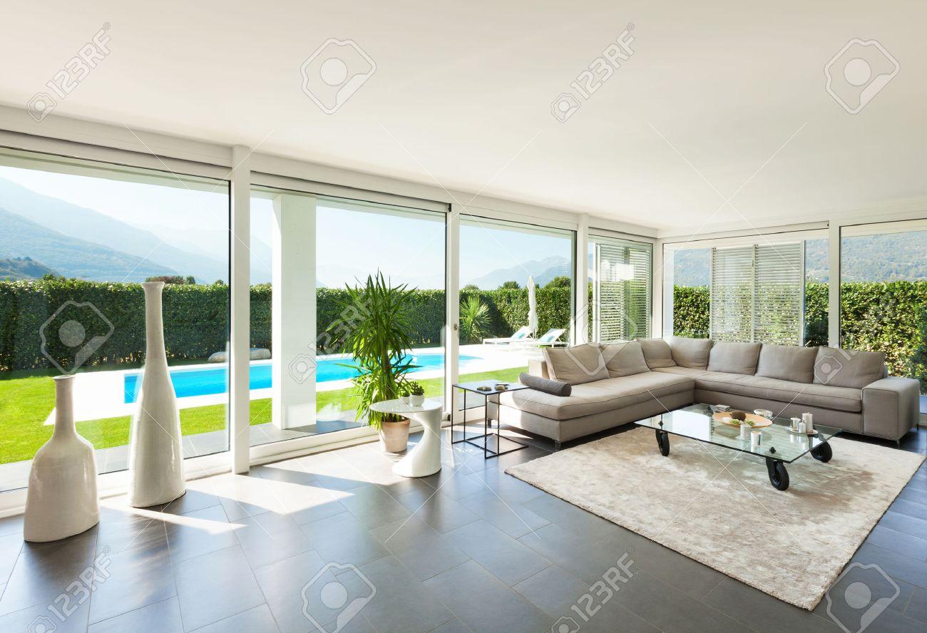 Moderne Villa, Interieur, Mooie Woonkamer Royalty-Vrije Foto ...