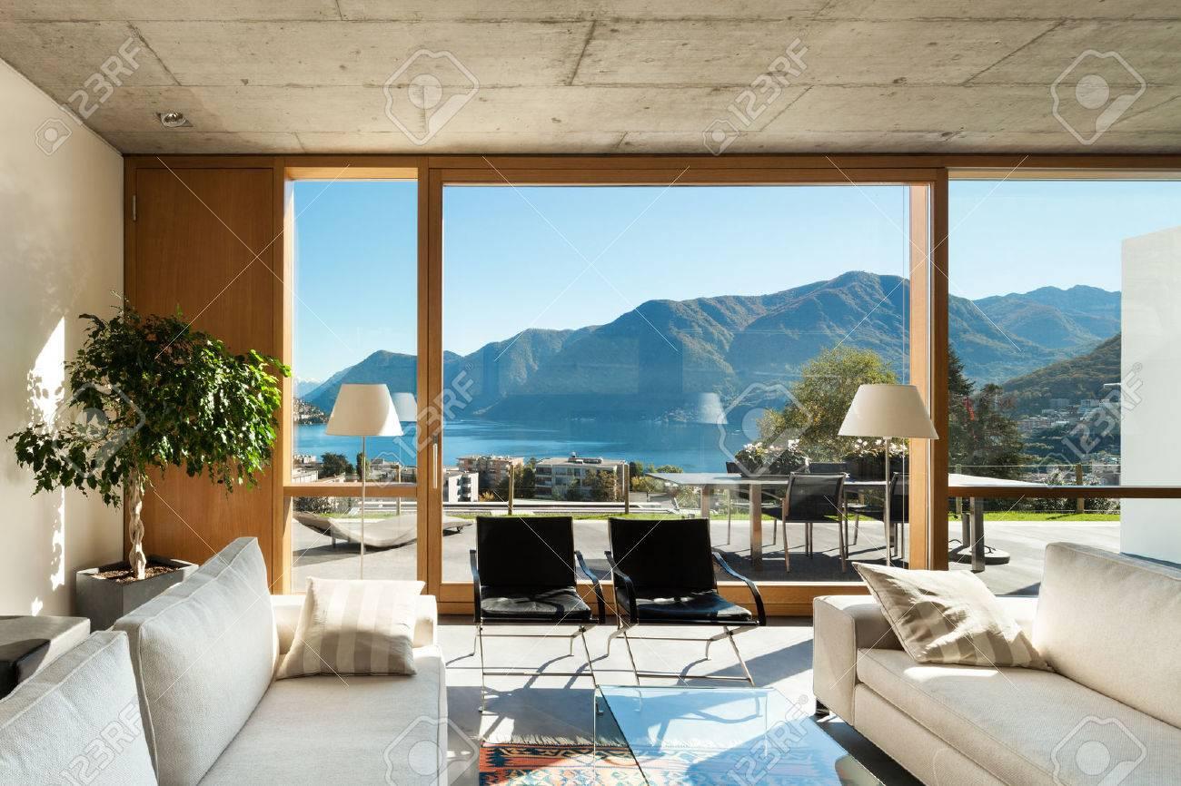 schöne, moderne haus in zement-, innenräume, blick aus dem ... - Schone Moderne Wohnzimmer