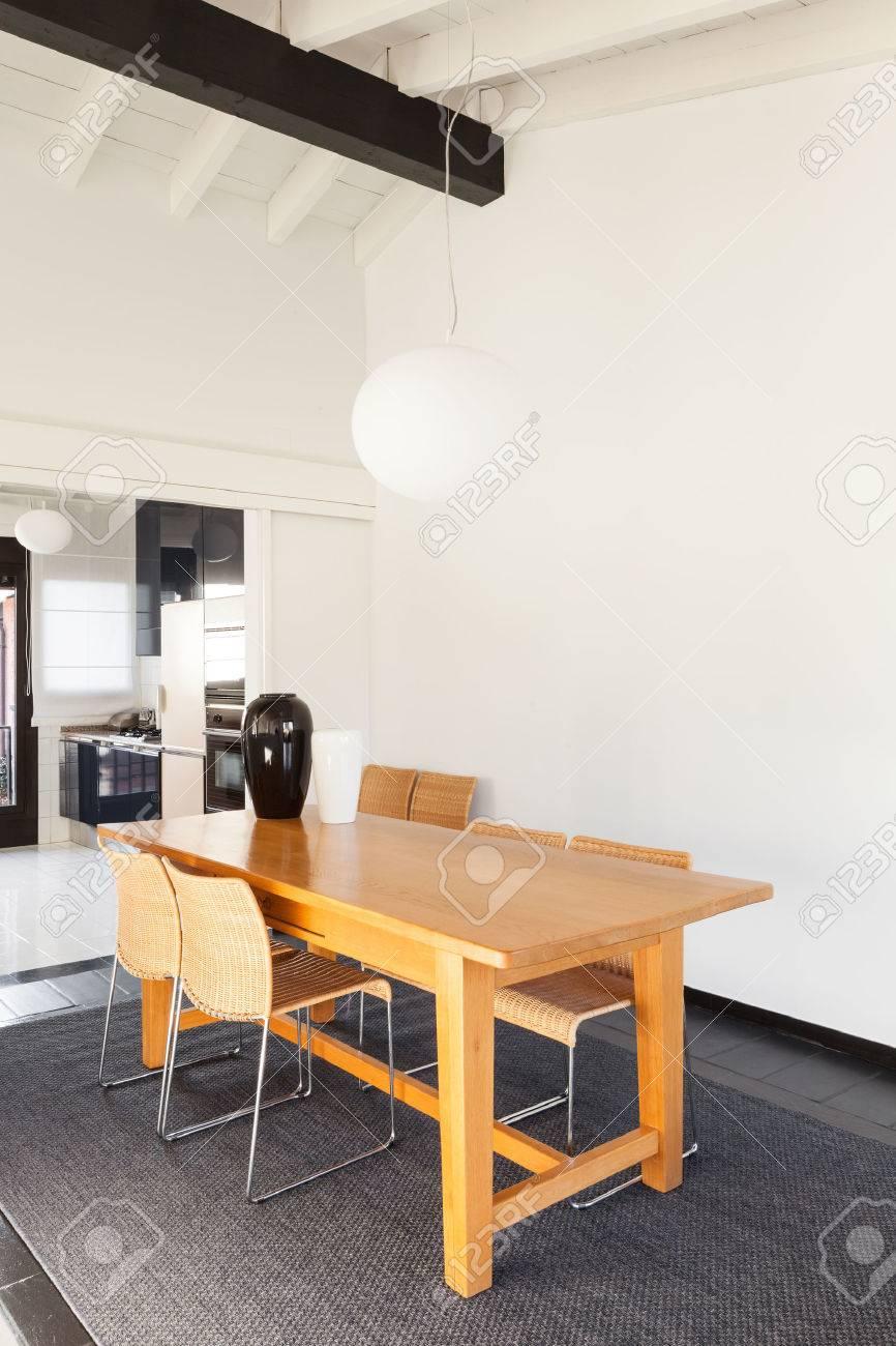 Interior, Cómodo Loft, Muebles Modernos, Mesa De Comedor Fotos ...
