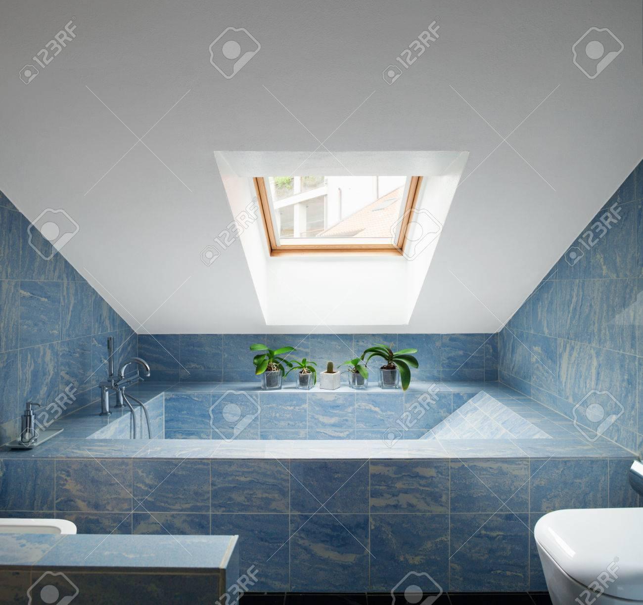 archivio fotografico bellissimo attico moderno vista bagno