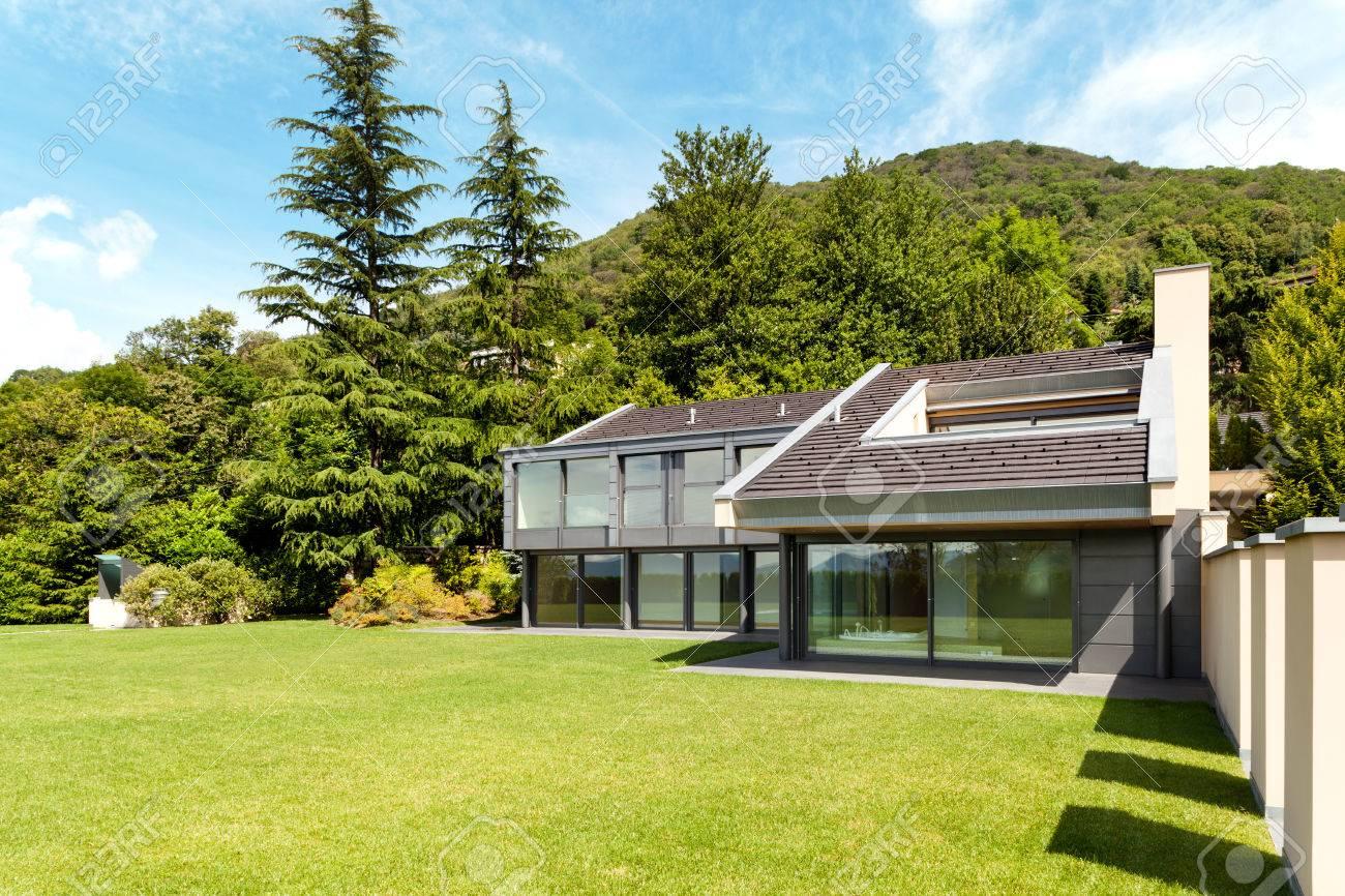 2b69ca0f188c92 Schöne Moderne Villa Mit Garten