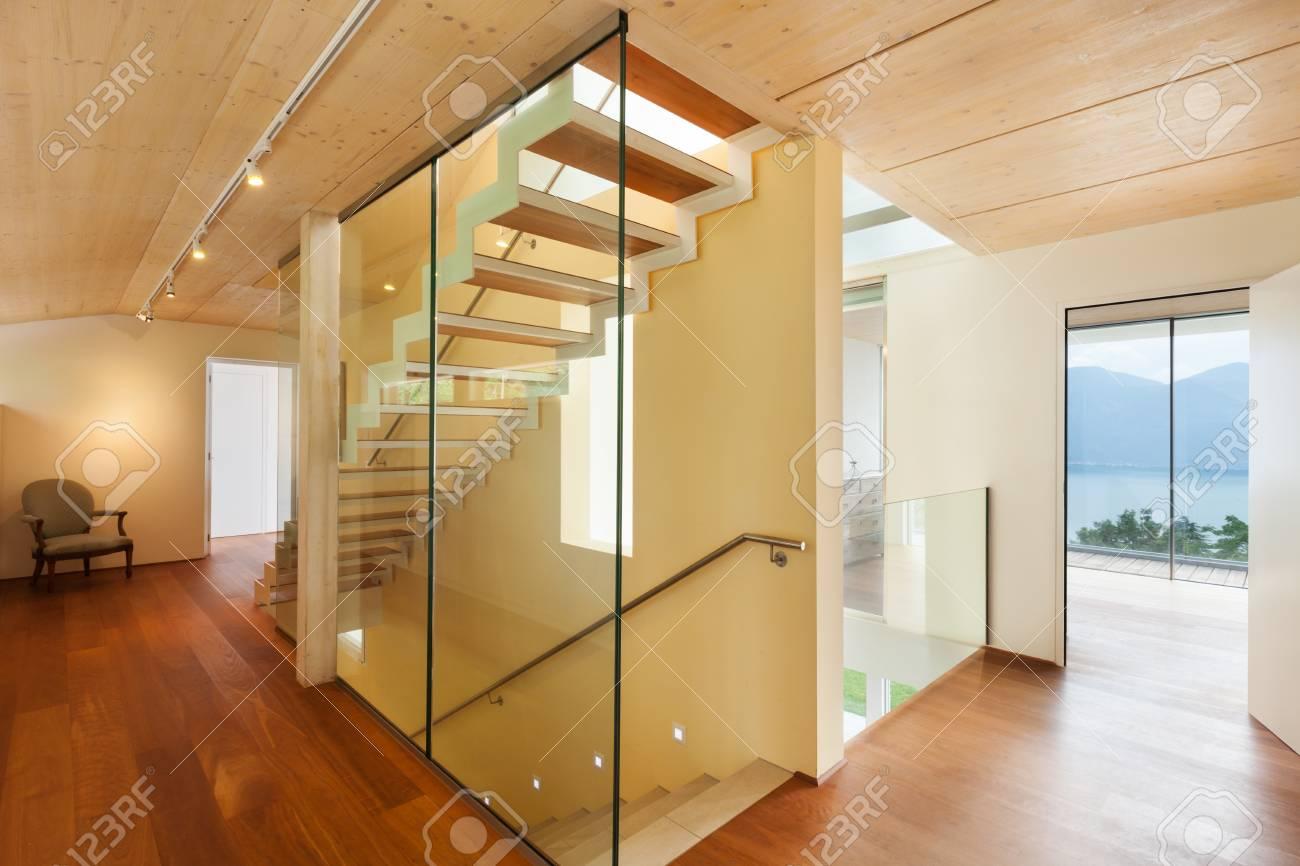 maison de montagne, l'architecture moderne, intérieur, escalier