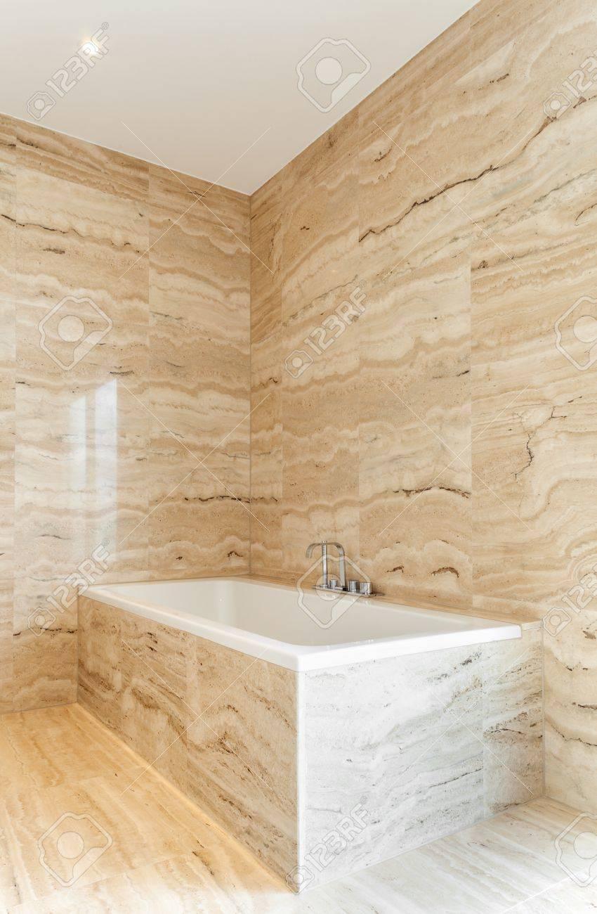 Schönes modernes bad marmorwände lizenzfreie bilder 33888062